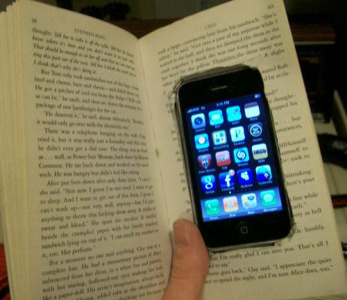 Retrieve data from broken cell phone